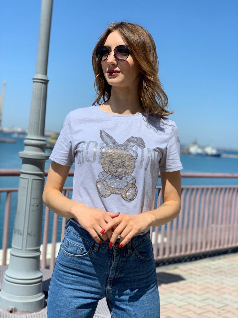 Женская футболка со стразами